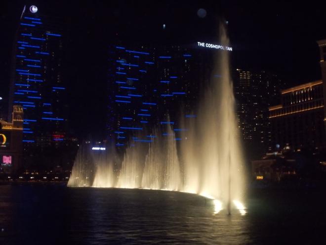 Dança das águas durante a noite