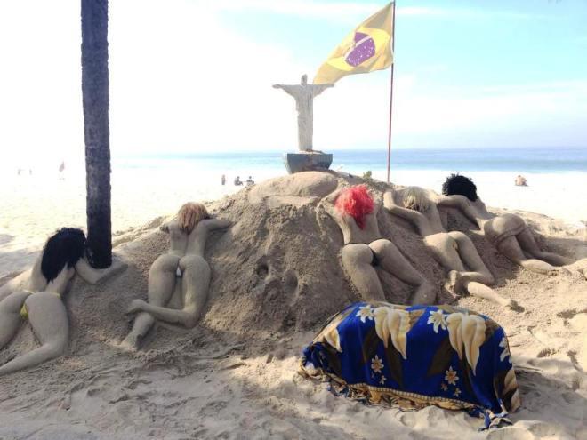 escultura de areia em Copacabana Rio de Janeiro
