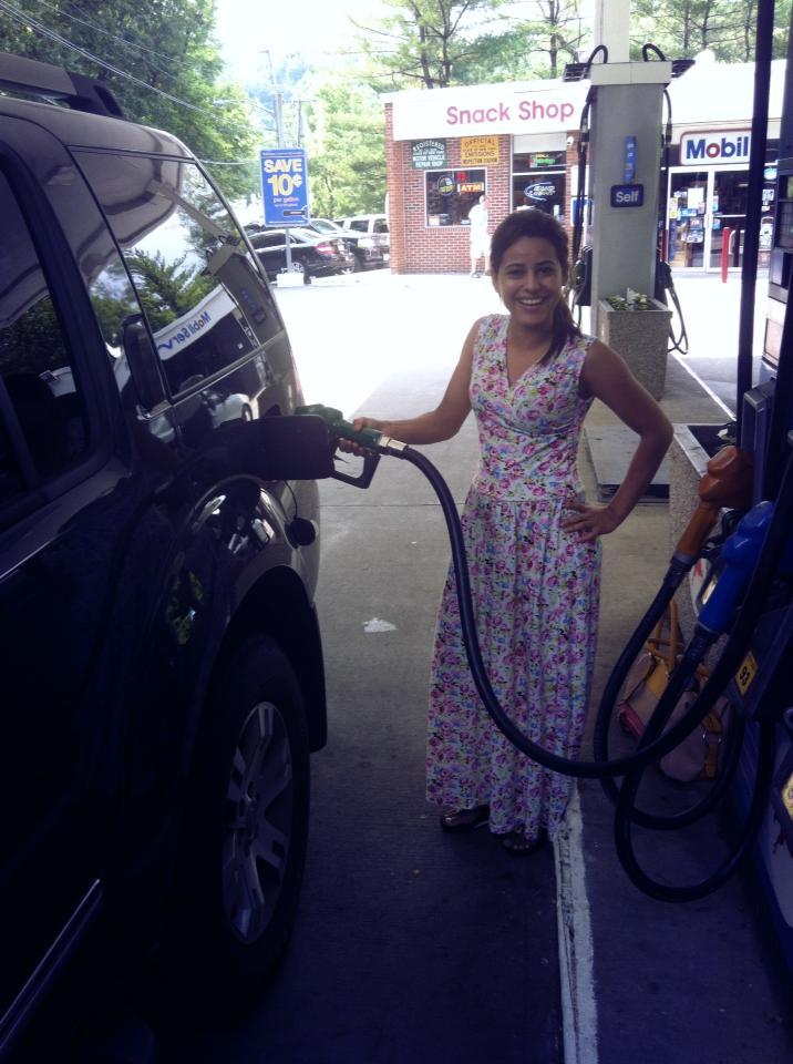 Colocando gasolina