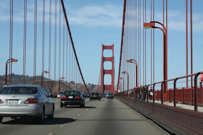atravessando a golden gate bridge