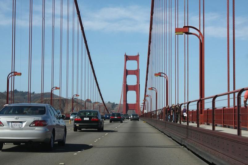 atravessando a golden gate bridge