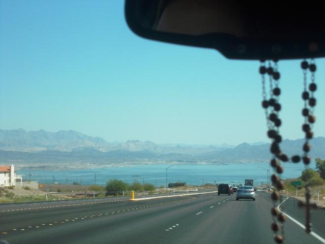 dirigindo em direção ao Grand Canyon West