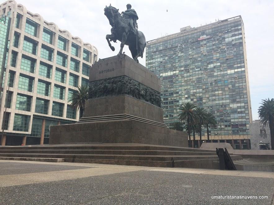 plaza-independencia-em-montevideu